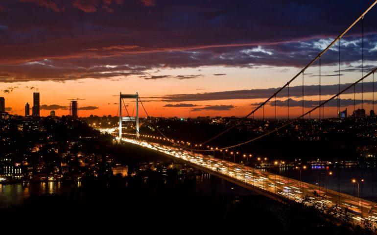 serkan turk ZKEiSJOT2Wc unsplash min 770x480 - Servis Şoförü Maaşları ve Servis Şoförlüğü İçin Gerekli Belgeler – 2019 ve 2020 Güncel Durum